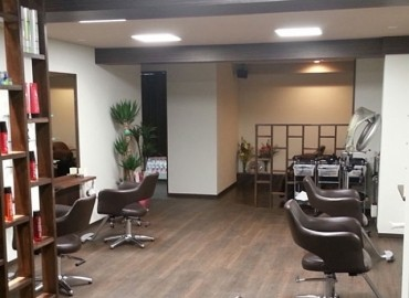 HAIR SPACE  Amenita